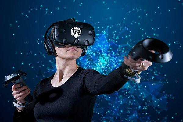 VR technológia a vállalati szférában – HTC VIVE